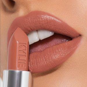 Dulce De Leche Creme Lipstick Kylie